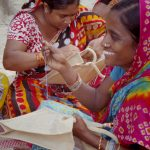 【itobanashi】インド刺繍の村へ。宿で出逢った人の仕事に図々しくついて行った話。