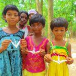 【itobanashi】インド刺繍の村へ。子供と遊んでばかりいて、役に立ってない話。