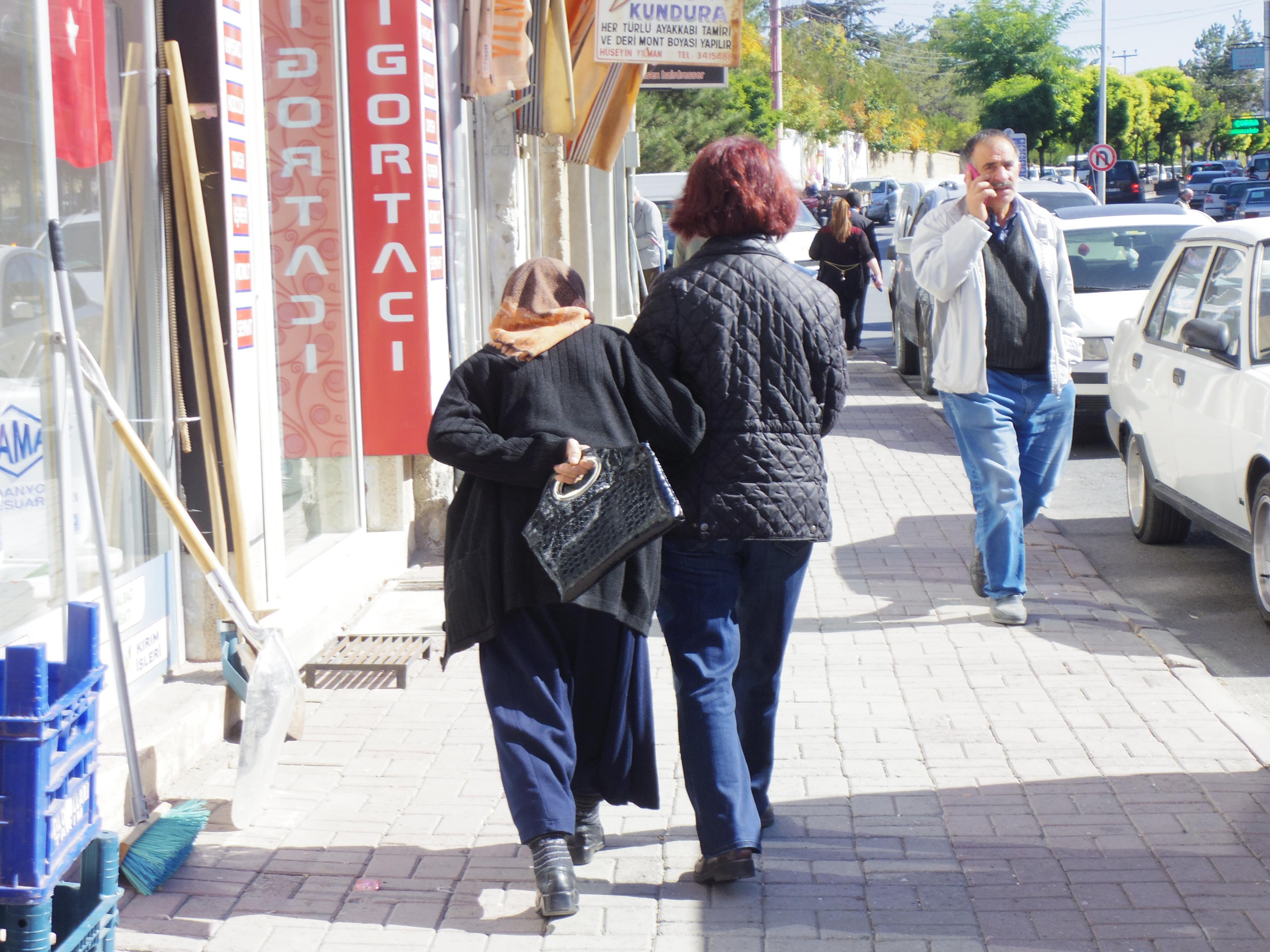 【行き方詳細】ウルギュップの土曜市場に行ってきた。トルコ人はあったかい。