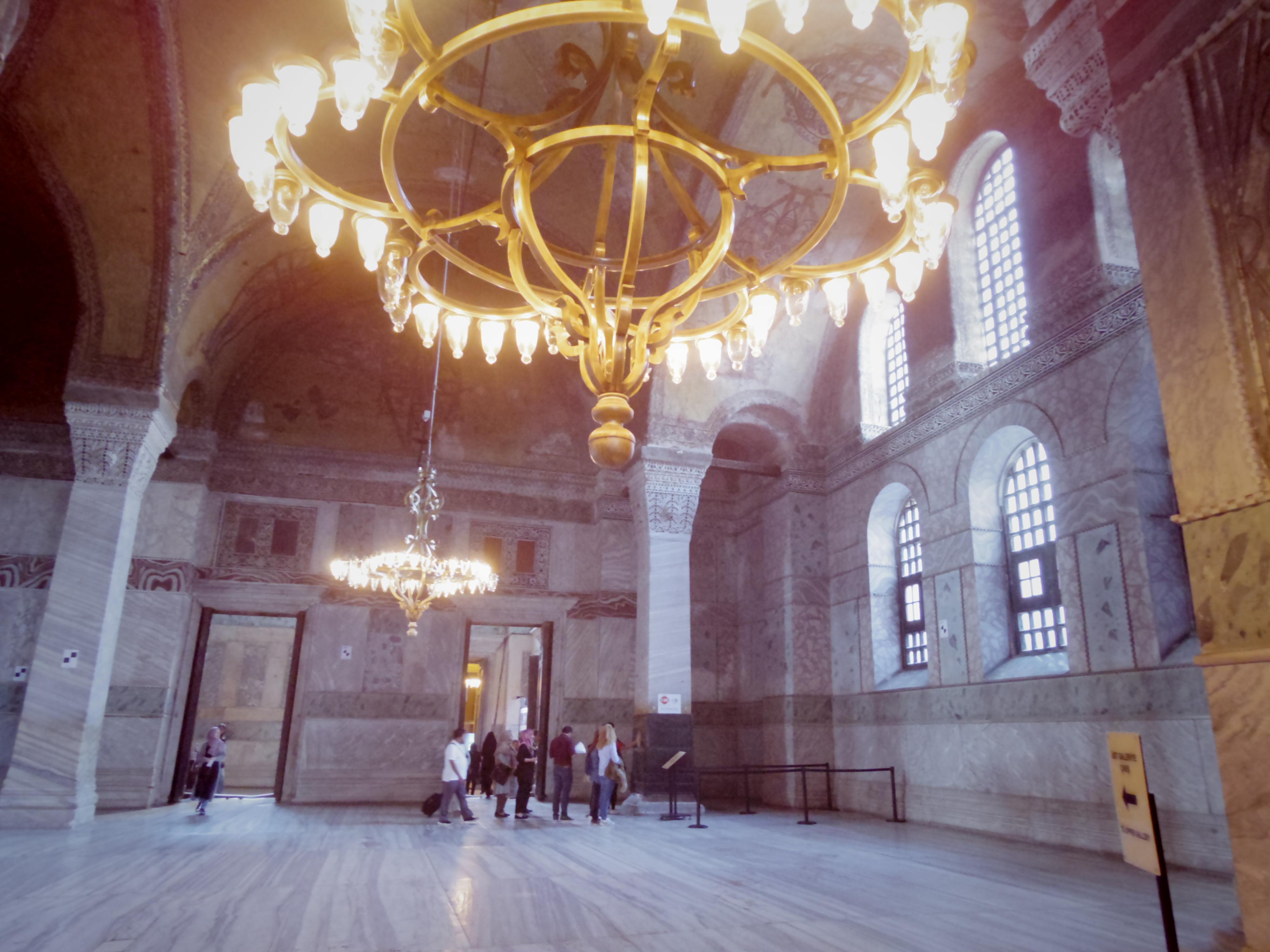 ブルーモスクとアヤソフィア。キリスト教とイスラム教が混在する不思議な場所。