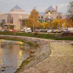 セルビアのウジツェってこんなとこ。ワンコライフに最適な街。