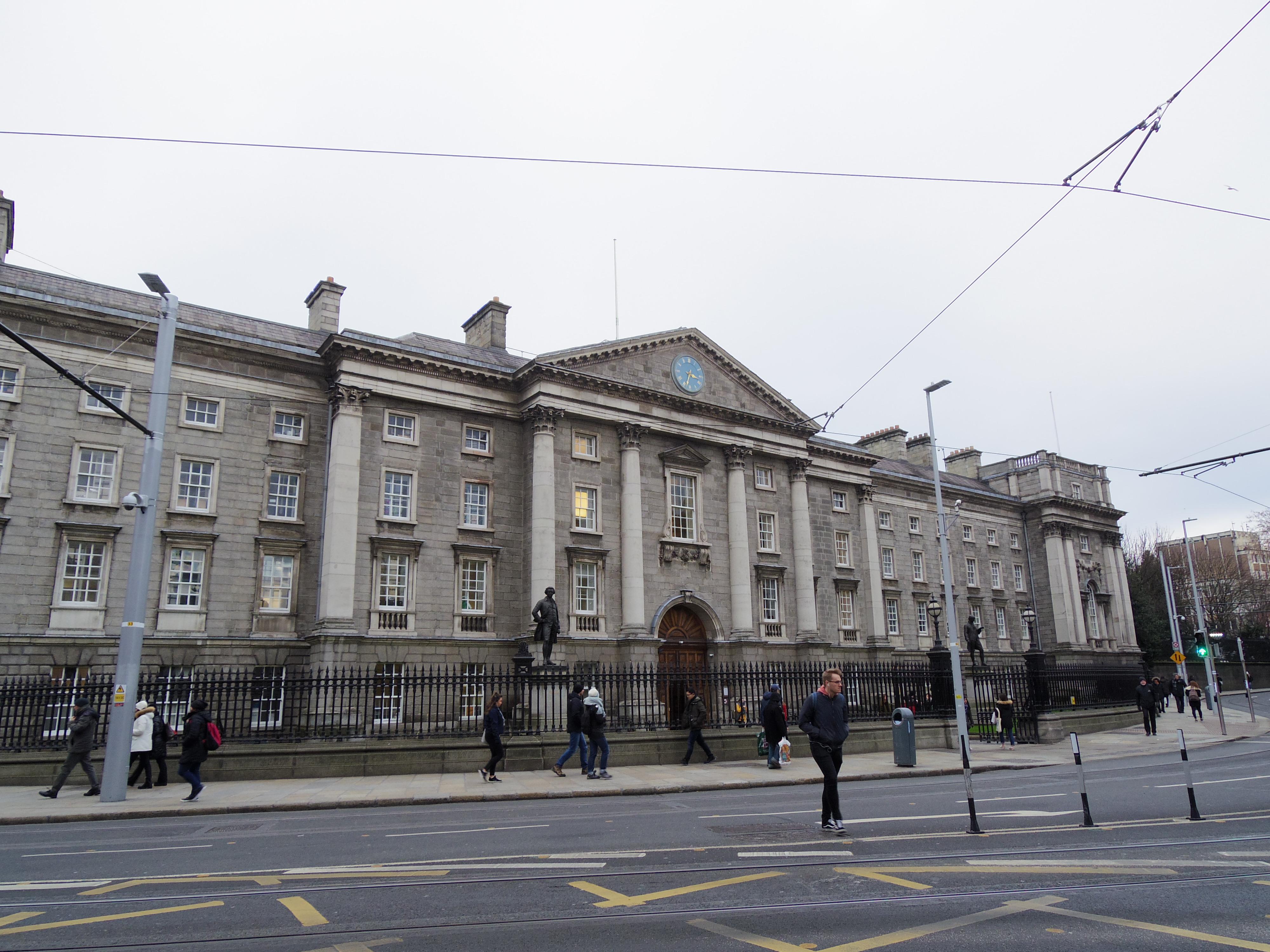【アイルランド・ダブリン】まるでハリーポッターの世界!トリニティカレッジ図書館に行って来た。
