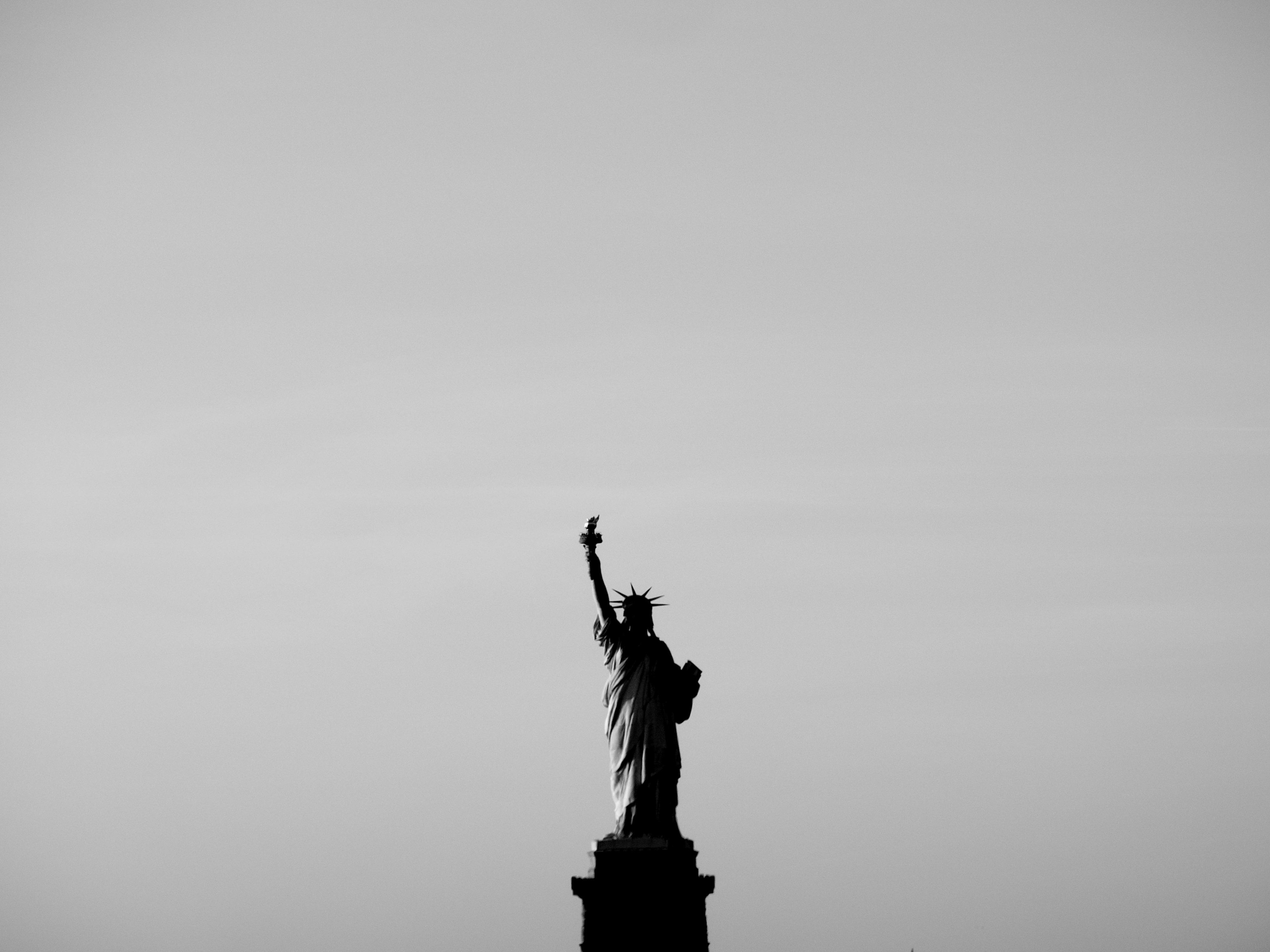 自由の女神をタダで見る方法と、NYでの衝撃カウチサーフィン体験。