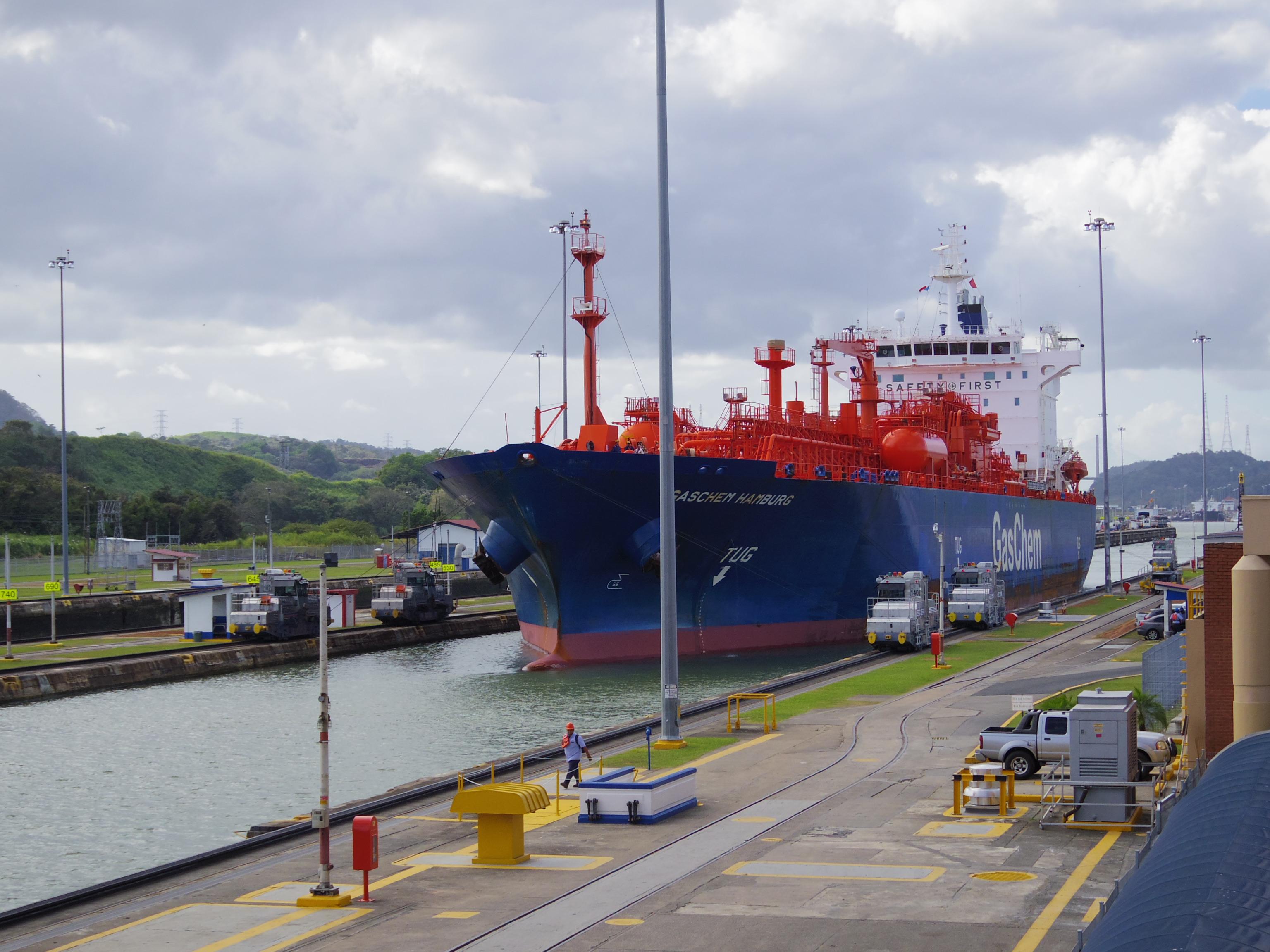 【世界の十字路 その2】パナマ運河2日目。ミラフローレス閘門はこんなとこ。