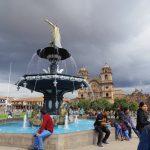 【世界遺産都市クスコ】歩いて行ける観光スポットへ。街歩きと本日のペルー料理。